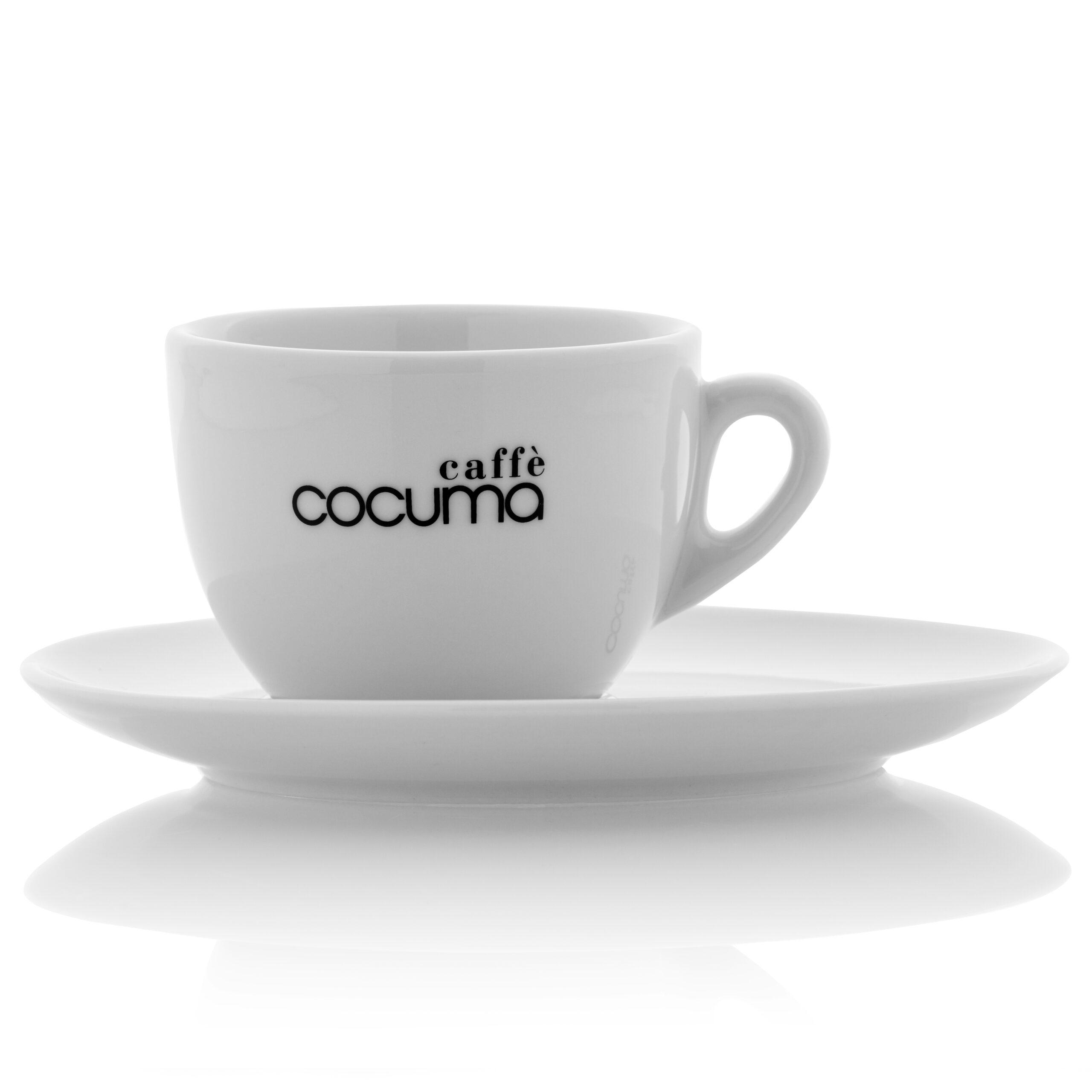 Kaffeetasse von Seite mit Untertasse